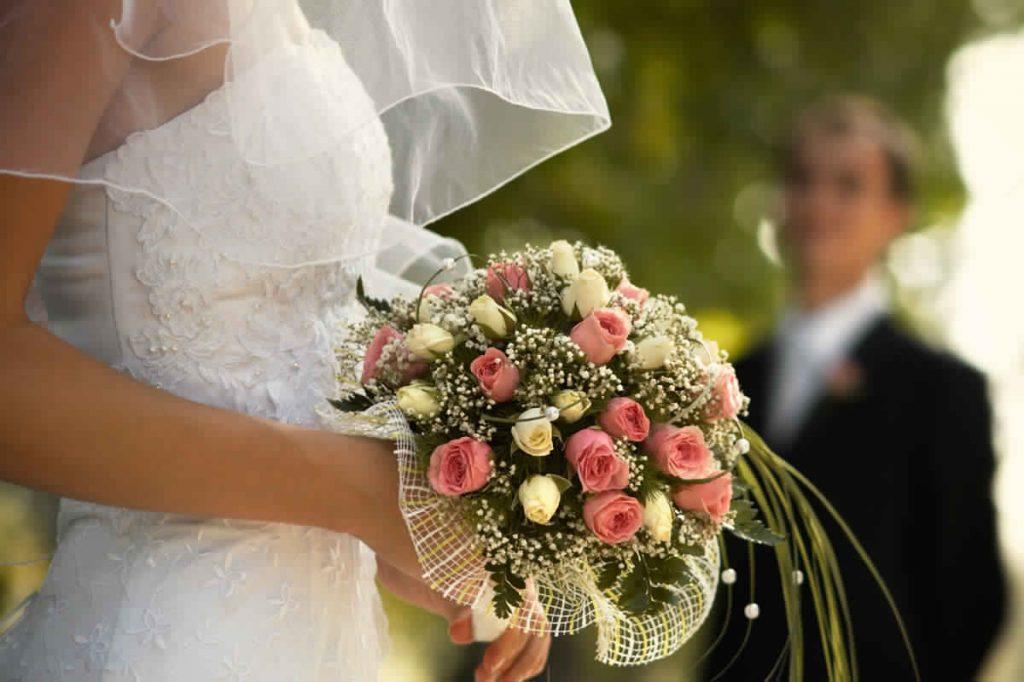 10 ASTUCES POUR CHOISIR LES FLEURS DE VOTRE MARIAGE